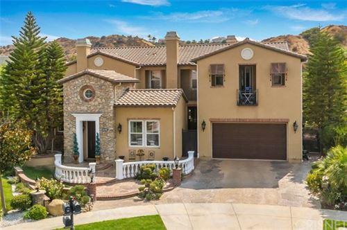 Photo of 26501 Oak Terrace Place, Valencia, CA 91381 (MLS # SR20195611)
