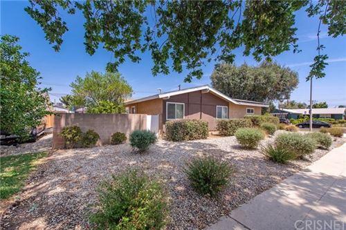 Photo of 22233 Cohasset Street, Canoga Park, CA 91303 (MLS # SR21097611)