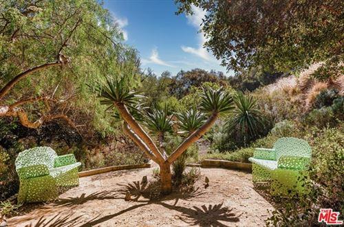 Tiny photo for 3585 Beverly Glen Terrace, Sherman Oaks, CA 91423 (MLS # 20647612)