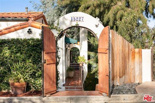 Photo of 15227 Del Gado Drive, Sherman Oaks, CA 91403 (MLS # 20664612)