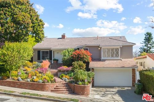 Photo of 284 Bronwood Avenue, Los Angeles, CA 90049 (MLS # 21696612)