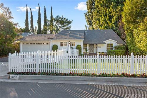 Photo of 5047 Bellaire Avenue, Valley Village, CA 91607 (MLS # SR21001612)