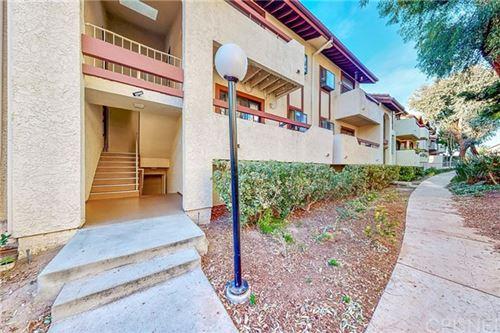 Photo of 28035 Sarabande Lane #138, Canyon Country, CA 91387 (MLS # SR21010612)