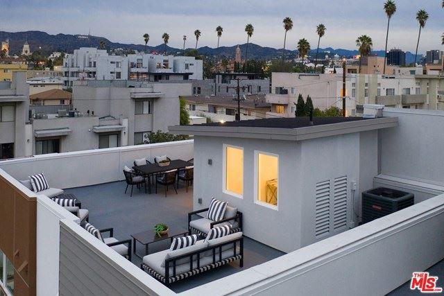 Photo of 6908 N Tierno Lane, Hollywood, CA 90038 (MLS # 21724612)