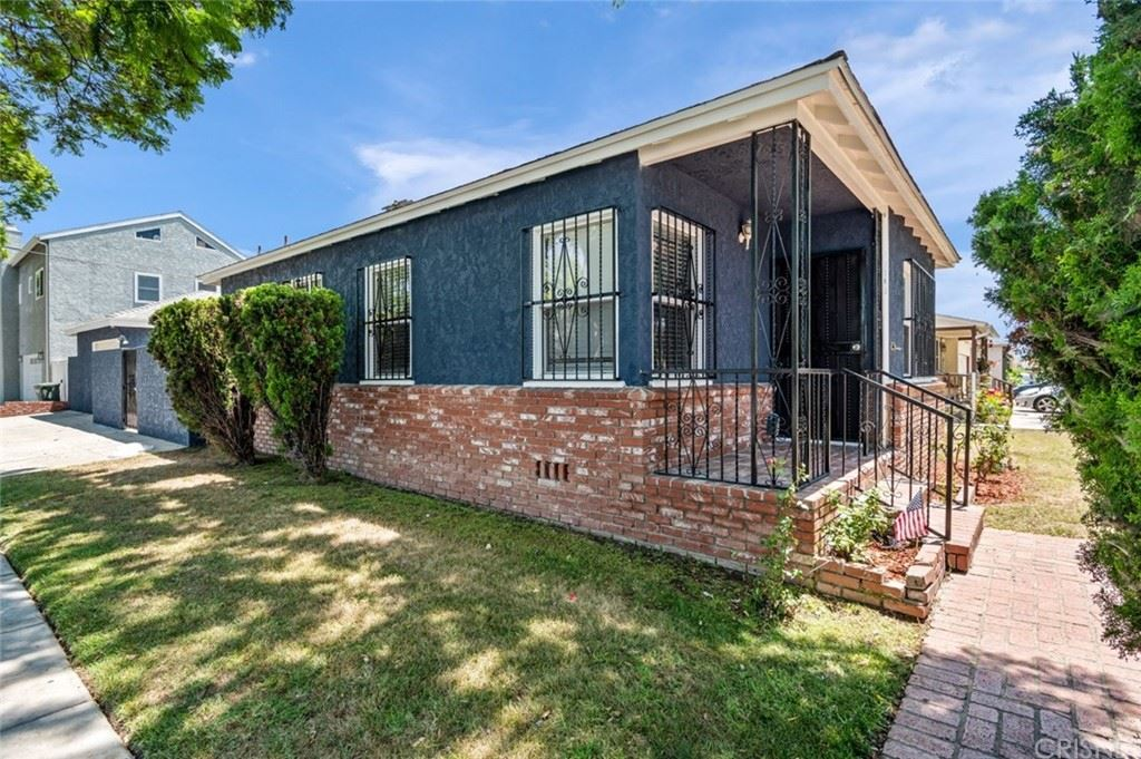Photo of 11202 Culver Park Drive, Culver City, CA 90230 (MLS # SR21166613)