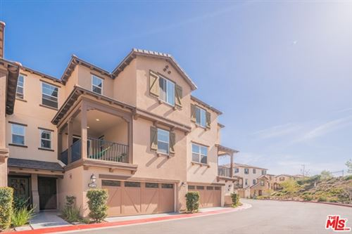 Photo of 26712 Lexington Lane, Santa Clarita, CA 91350 (MLS # 21713614)
