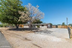 Photo of 10002 Verdugo Road, Lucerne Valley, CA 92356 (MLS # 516614)