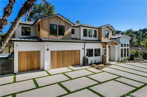 Photo of 16866 Mooncrest Drive, Encino, CA 91436 (MLS # SR20192614)