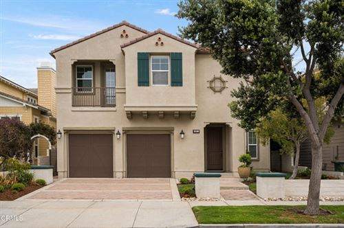 Photo of 3927 W Hemlock Street, Oxnard, CA 93035 (MLS # V1-5614)