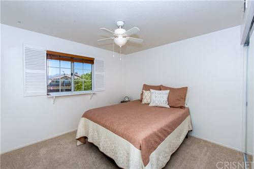 Tiny photo for 14547 Edgeview Place, Canyon Country, CA 91387 (MLS # SR20102615)