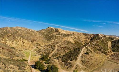 Photo of 0 Oak Creek Rd, Castaic, CA 91384 (MLS # SR21023615)