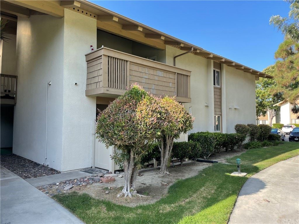 Photo for 8877 Lauderdale Court #92, Huntington Beach, CA 92646 (MLS # RS21184615)