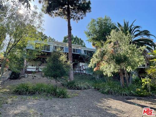 Photo of 5058 Marmol Drive, Woodland Hills, CA 91364 (MLS # 21732616)
