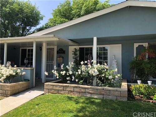 Photo of 19139 Avenue Of The Oaks #B, Newhall, CA 91321 (MLS # SR21098616)