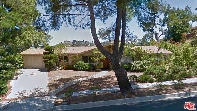 Photo of 1953 Rayshire Street, Thousand Oaks, CA 91362 (MLS # 21694616)