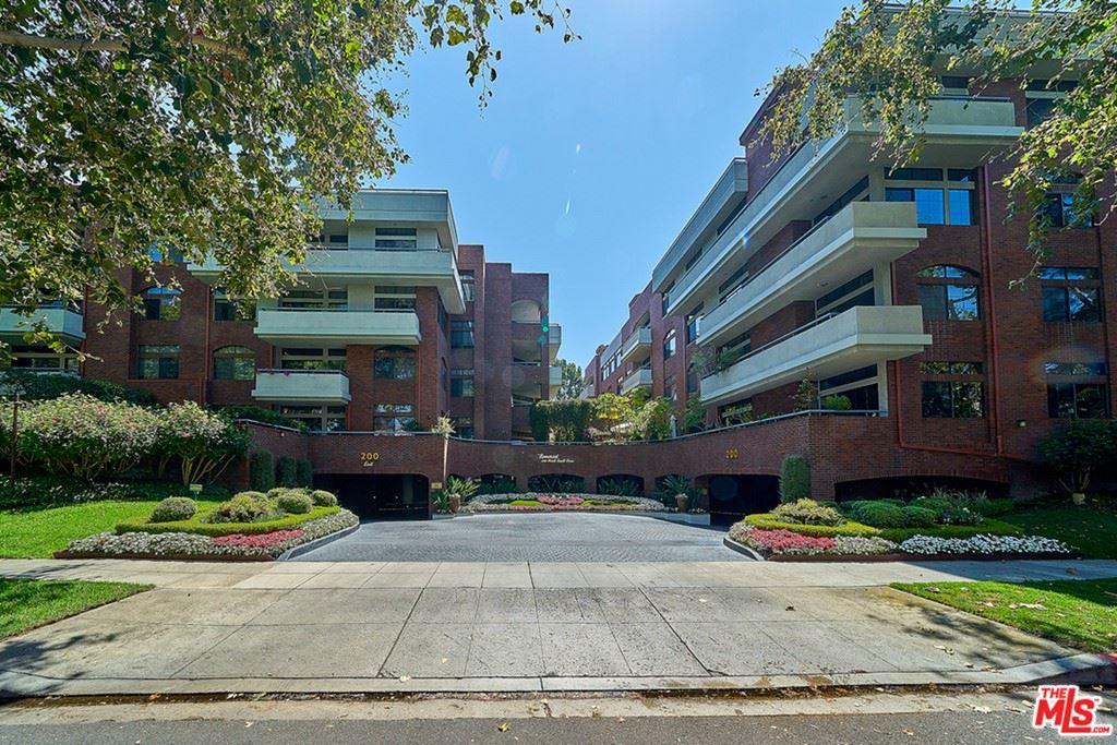 Photo of 200 N Swall Drive #455, Beverly Hills, CA 90211 (MLS # 21764616)