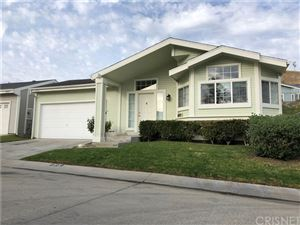 Photo of 20043 Crestview Drive, Canyon Country, CA 91351 (MLS # SR19266617)