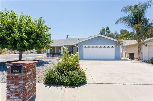 Photo of 2413 El Rancho Circle, Hemet, CA 92545 (MLS # SW20152617)