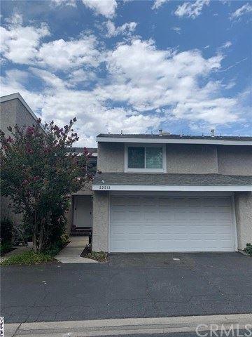 Photo of 23213 Kimmore Terr Terrace, Valencia, CA 91355 (MLS # 320002618)
