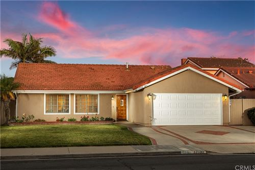 Photo of 17132 Twain Lane, Huntington Beach, CA 92649 (MLS # OC21224618)