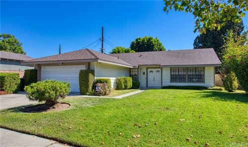 Photo of 9212 Wystone Avenue, Northridge, CA 91324 (MLS # SR21157618)