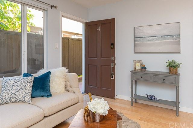 Photo of 1319 11th Street #4, Santa Monica, CA 90401 (MLS # PW20123618)