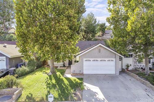 Photo of 27629 Sequoia Glen Drive, Valencia, CA 91354 (MLS # SR21205619)