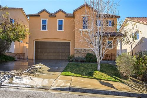 Photo of 27075 Mountain Willow Lane, Canyon Country, CA 91387 (MLS # 220001621)