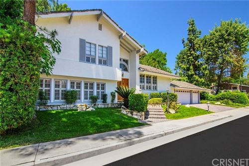 Photo of 4555 Totana Drive, Tarzana, CA 91356 (MLS # SR20088621)