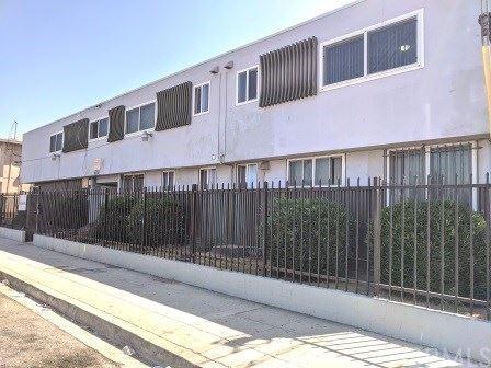 Photo of 10130 S Inglewood Avenue #5, Inglewood, CA 90304 (MLS # SB20249621)