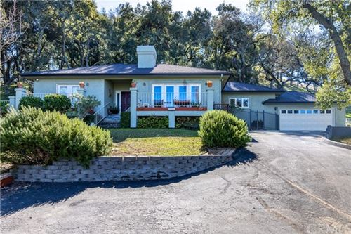 Photo of 9455 Santa Cruz Road, Atascadero, CA 93422 (MLS # NS21042622)