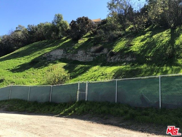 Photo for 3566 N Oakfield Drive, Sherman Oaks, CA 91423 (MLS # 19421622)