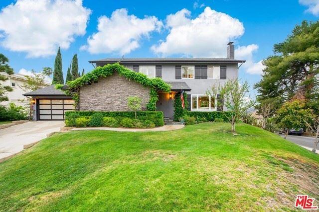Photo of 9504 Highridge Drive, Beverly Hills, CA 90210 (MLS # 21723622)