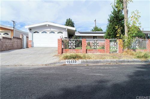 Photo of 19119 Wellhaven Street, Canyon Country, CA 91351 (MLS # SR21234623)