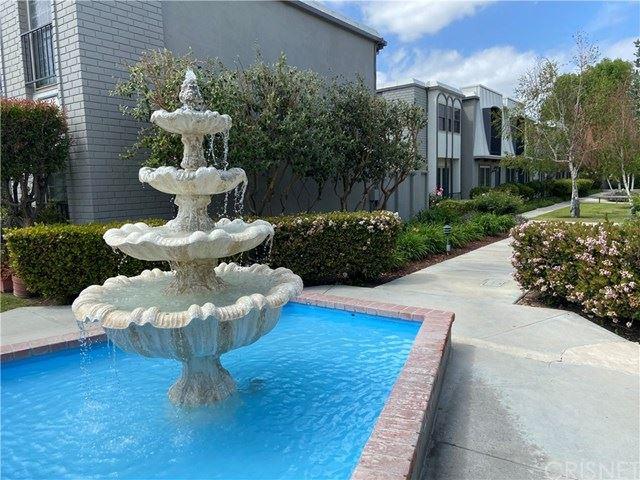 Photo of 22131 Oxnard Street, Woodland Hills, CA 91367 (MLS # SR21079623)
