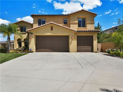 Photo of 16939 White Pine Way, Canyon Country, CA 91387 (MLS # SR20093625)