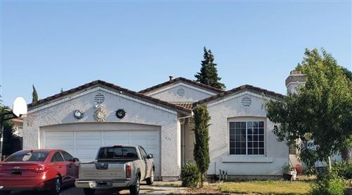 Photo of 931 B Street, Hollister, CA 95023 (MLS # ML81852626)
