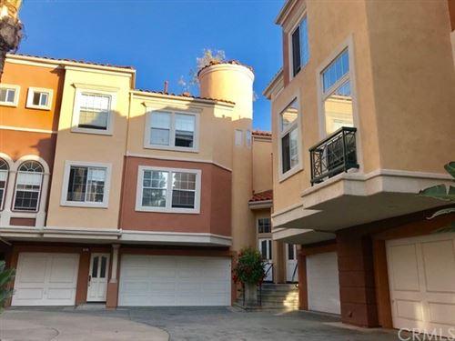 Photo of 11 Cetinale Aisle, Irvine, CA 92606 (MLS # OC21156626)