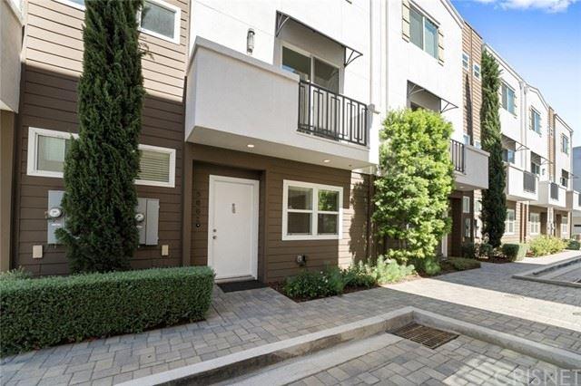 Photo of 5662 Hazeltine Avenue, Valley Glen, CA 91401 (MLS # SR21124626)