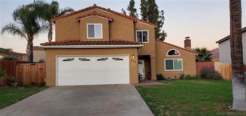 Photo of 552 Hayward Pl, Escondido, CA 92027 (MLS # 210029627)
