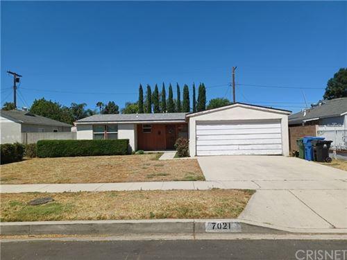 Photo of 7021 Aura Avenue, Reseda, CA 91335 (MLS # SR21128627)