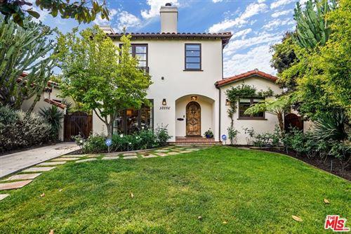 Photo of 10556 Almayo Avenue, Los Angeles, CA 90064 (MLS # 21781628)