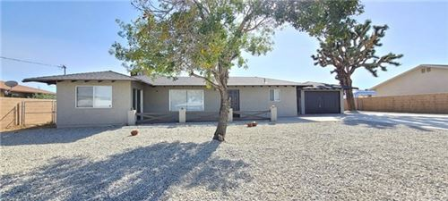 Photo of 57615 Sunnyslope Drive, Yucca Valley, CA 92284 (MLS # CV20225629)