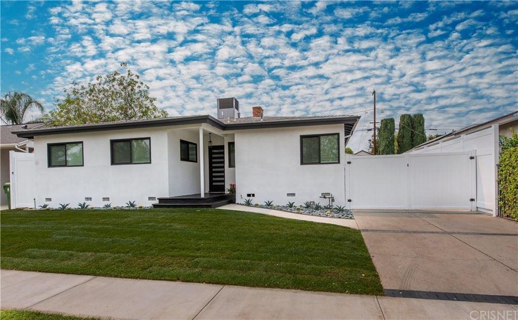 Photo of 6267 Shirley Avenue, Tarzana, CA 91335 (MLS # SR21208629)