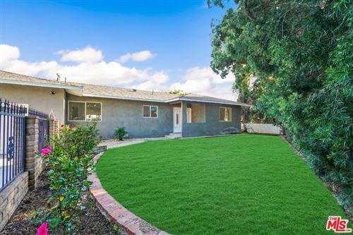 Photo of 21618 STANWELL Street, Chatsworth, CA 91311 (MLS # 19512630)