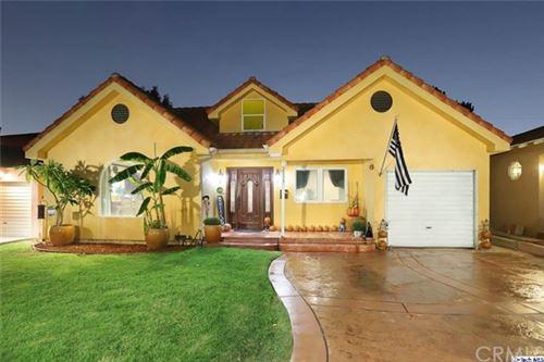 Photo of 2033 N Kenwood Street, Burbank, CA 91505 (MLS # 320003630)