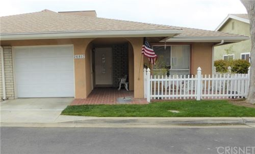Photo of 26817 Circle Of The Oaks, Newhall, CA 91321 (MLS # SR21062630)