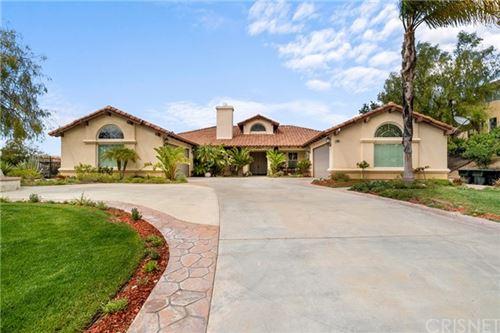 Photo of 23091 Lowridge Place, Saugus, CA 91390 (MLS # SR21091630)