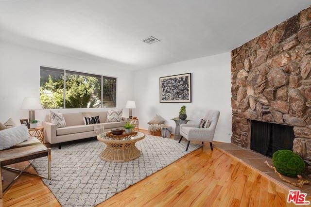 Photo for 12216 Hartland Street, North Hollywood, CA 91605 (MLS # 21688630)