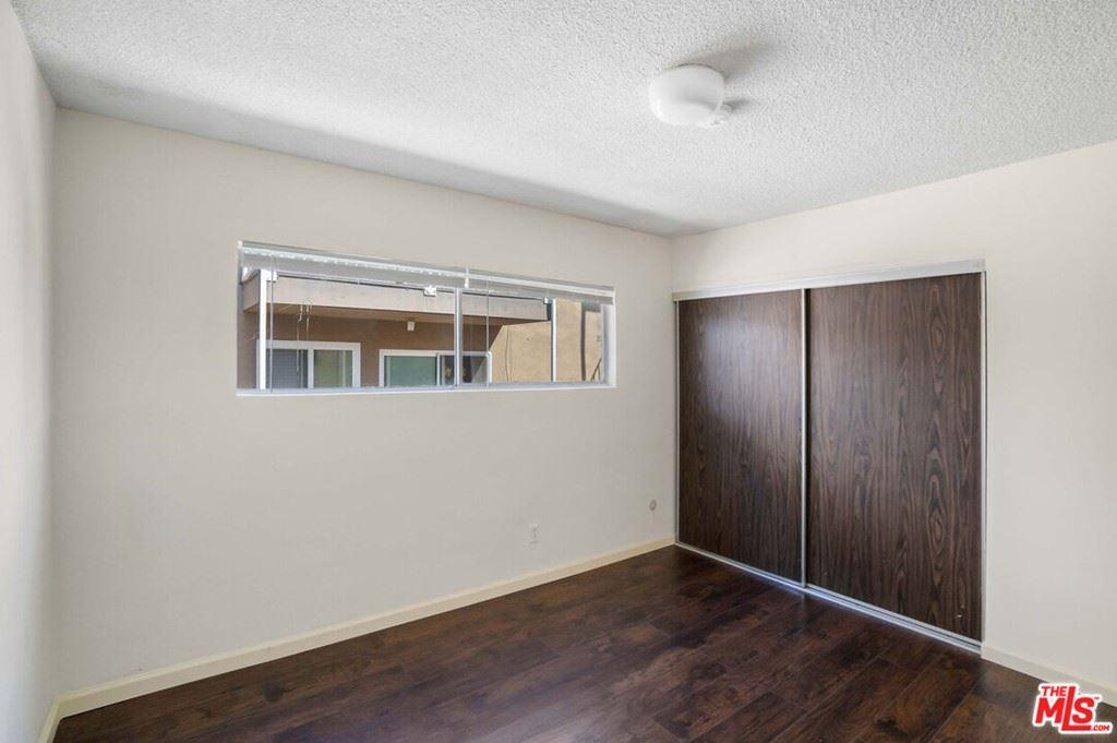 Photo of 945 N Beaudry Avenue, Los Angeles, CA 90012 (MLS # 21796630)